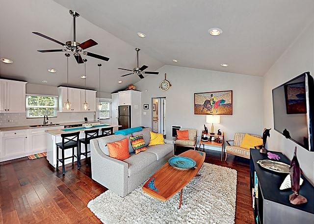 Seaside Secret: Patio, 1 Block to Main St -- Near Beach!, holiday rental in Lawndale