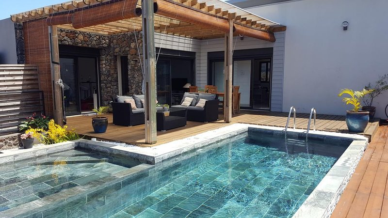 Spacious villa with swimming-pool, vacation rental in Le Tampon