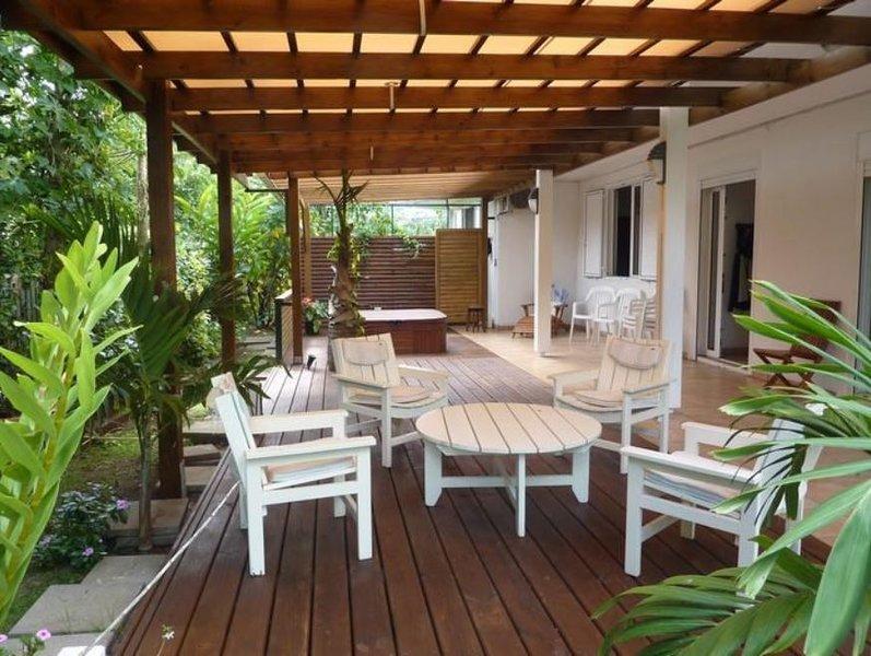 Nice apartment with sea view & Wifi, location de vacances à Bois de Nefles