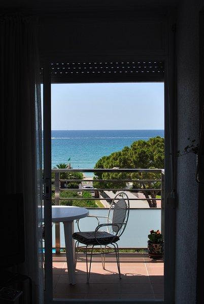 Apartamento enfrente de la playa, holiday rental in Altafulla