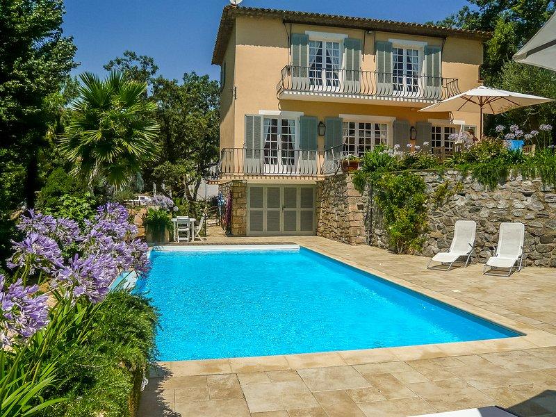 1353152 villa 3 bedrms plus indep.studio, beach 200 meters, heated pool 11 x 4.5, Ferienwohnung in Ste-Maxime