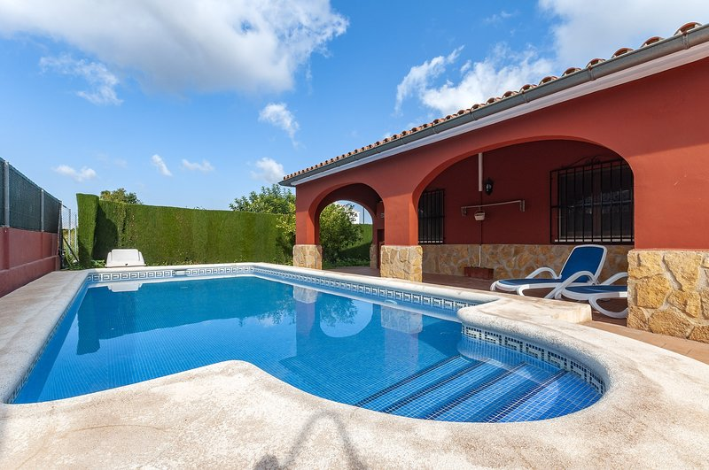 POUET - Villa for 10 people in PEDREGUER, vacation rental in Sagra