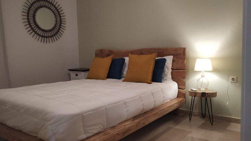Beautiful cozy apartment In Kanoni, location de vacances à Kanoni