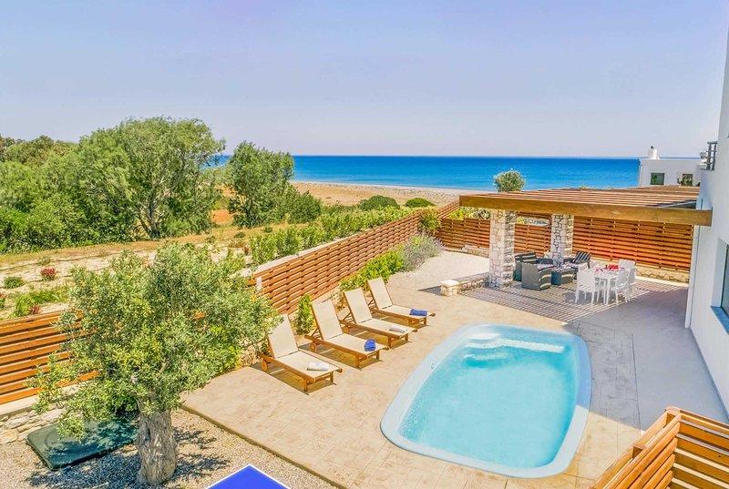 2 bed villa, minutes walk from Gennadi beach, vacation rental in Kattavia