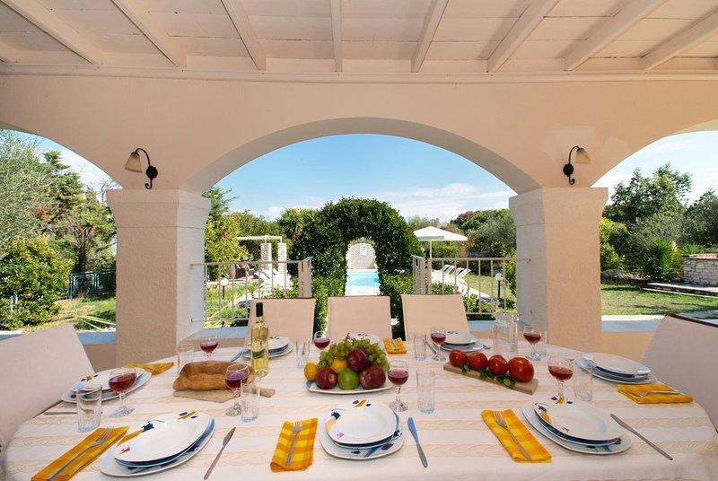 Kellia Villa Sleeps 10 with Pool Air Con and WiFi - 5604818, holiday rental in Avlaki