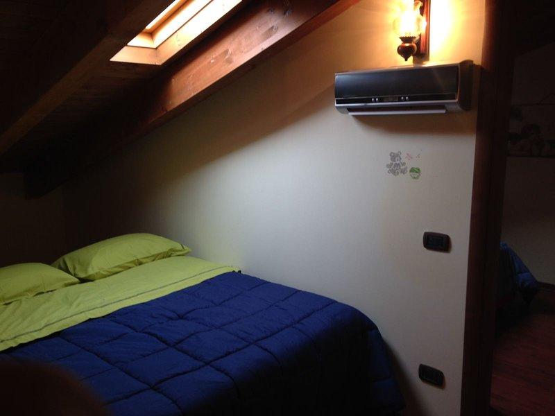 Casa vacanze San Massimo 6 posti letto, alquiler vacacional en Roccamandolfi