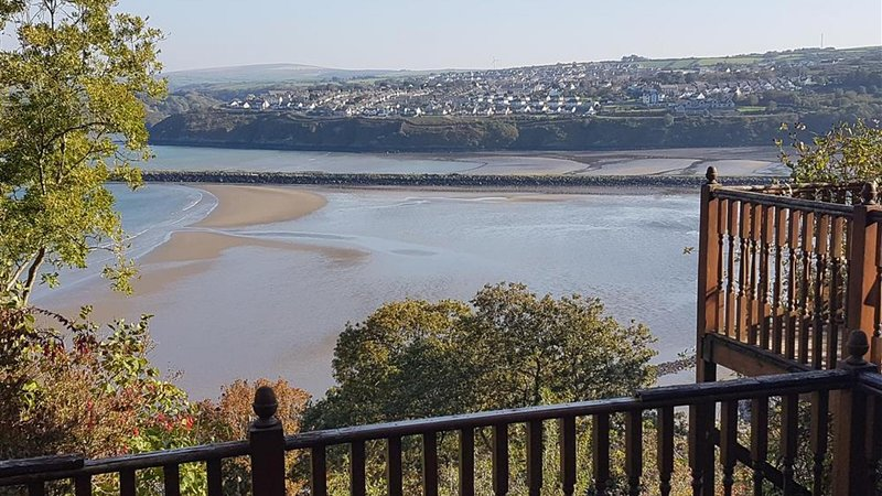 The Secret Garden, holiday rental in Fishguard