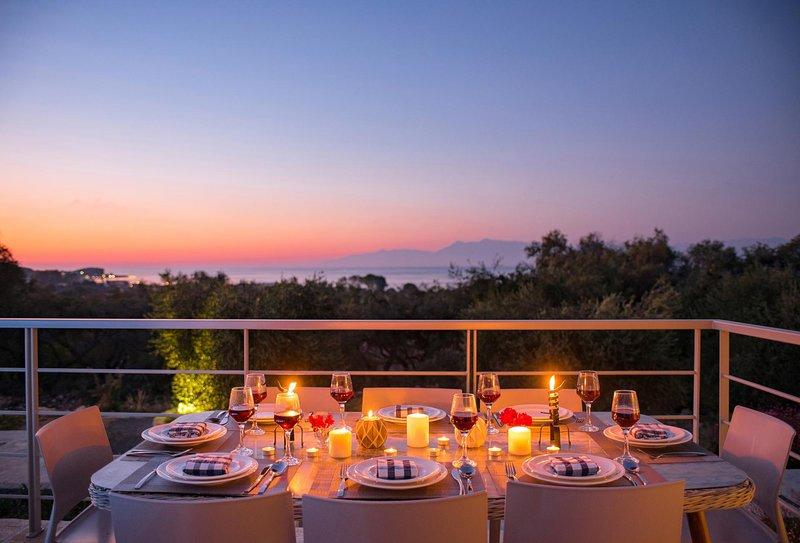 Roda Villa Sleeps 8 with Pool Air Con and WiFi - 5604819, holiday rental in Roda