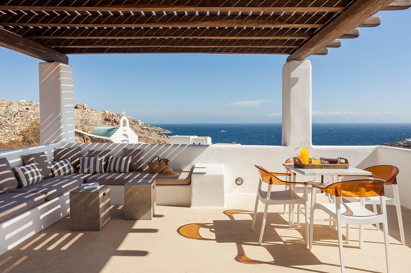 Costa Ilios Villa Sleeps 16 with Pool and Air Con - 5778991, location de vacances à Agios Ioannis