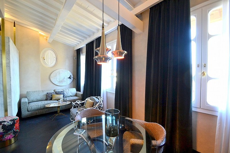 Oltrarno Villa Sleeps 3 with Air Con - 5778980, vacation rental in Florence