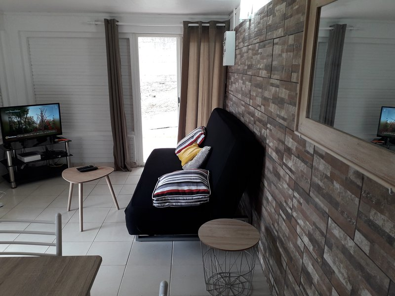 Beautiful apartment with garden, holiday rental in Saint-Joseph
