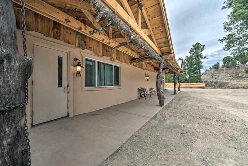 Book a trip to this cozy 2-bedroom, 2-bathroom vacation rental home in Ruidoso.