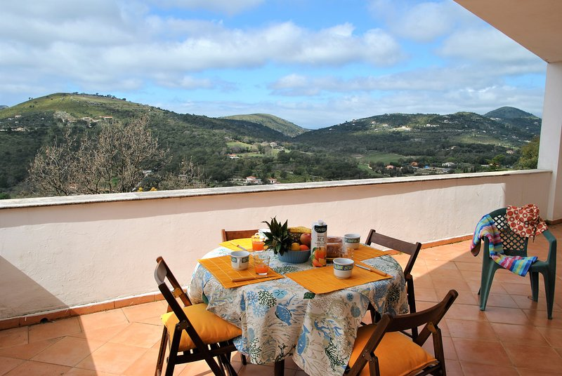 Paradise House on Sperlonga hill, location de vacances à Itri