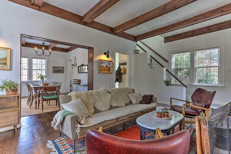 Enchanting Hudson Valley Cottage Near Hiking!, holiday rental in Chappaqua