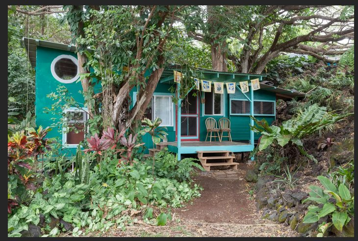 The Sweet Spot Stay: Magical Grotto House Under Giant Trees-Walk to the Beach, alquiler de vacaciones en Kaimu