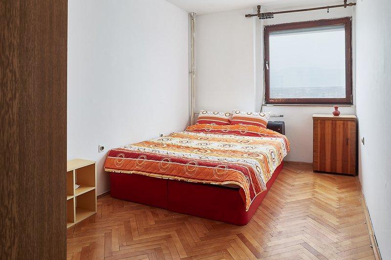 Fuzzbubble Orange room, holiday rental in Skopje
