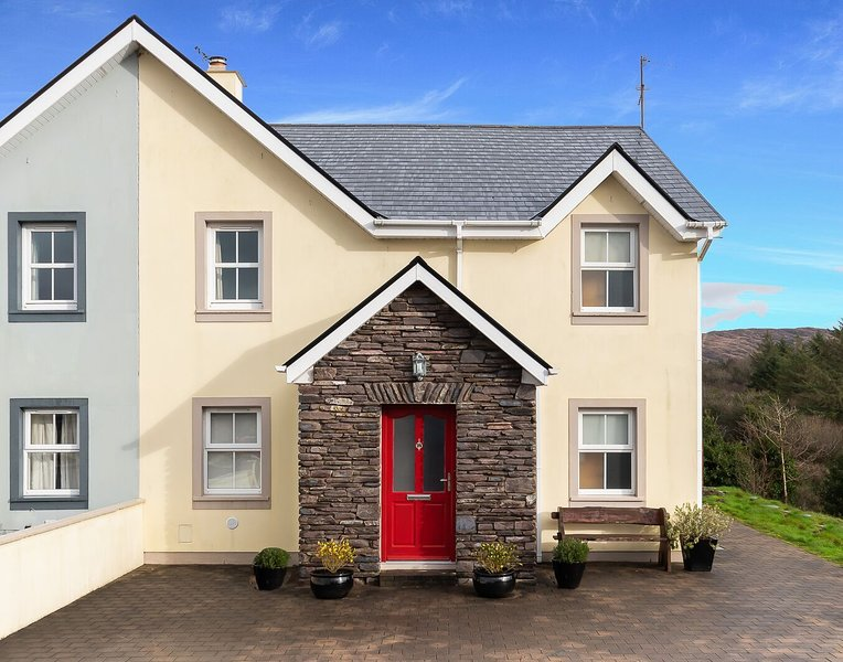 Salmons Leap Holiday Home, Sneem Village, Co. Kerry - 3 Bedrooms Sleeps 7 - Salm – semesterbostad i Sneem