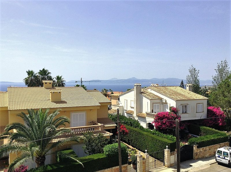 CASA MERCURI- Fantastic modern Villa with sea views perfect for a family vacatio, holiday rental in Puig de Ros