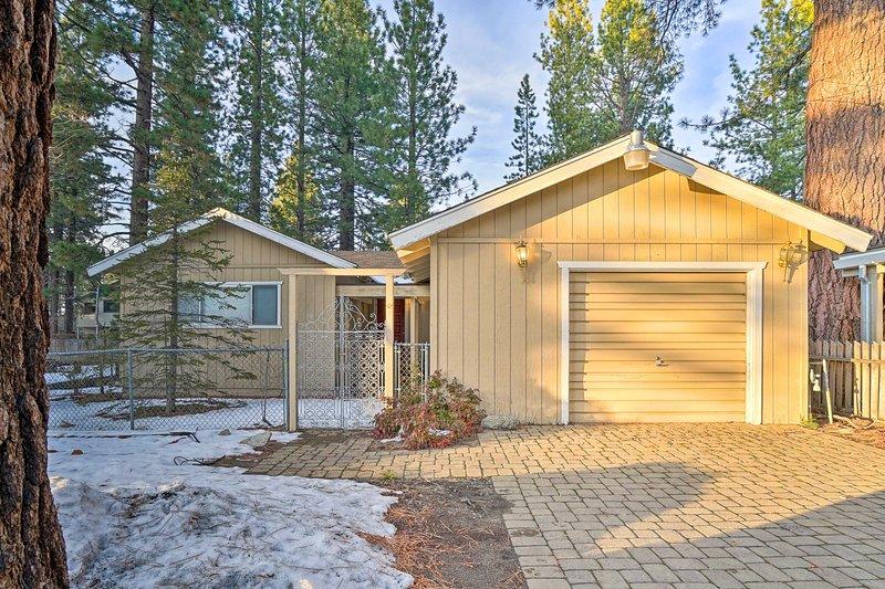 Lake Tahoe è a soli 300 metri da questa accogliente casa vacanze!