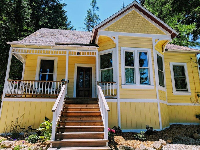 Victorian Cottage in the Redwoods, alquiler de vacaciones en Ben Lomond