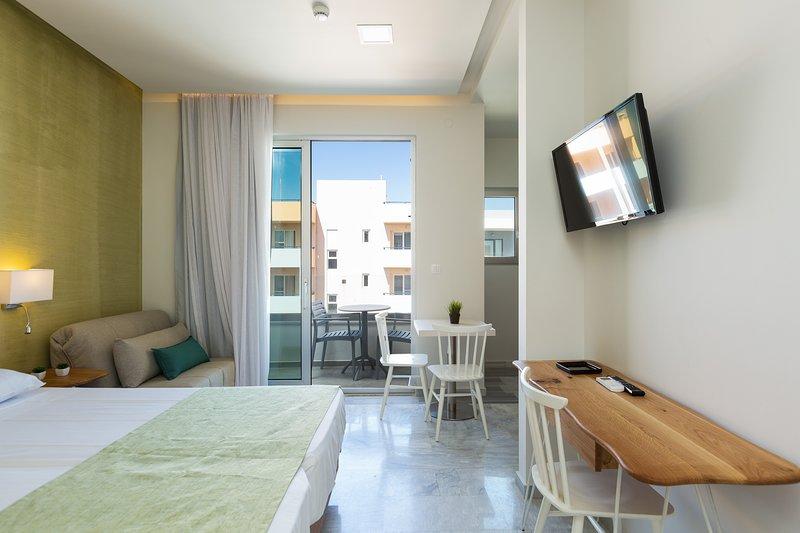 Modern Sunny Studio   Beach Road G4, vacation rental in Rethymnon