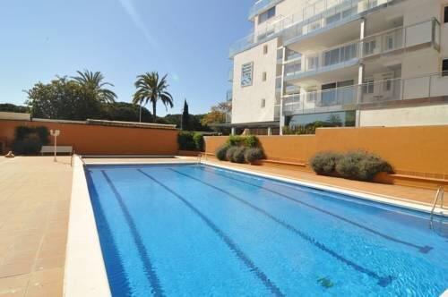 Malgrat de Mar, primera linea de mar con piscina, 4 dormitorios, 6-7 plazas, location de vacances à Malgrat de Mar