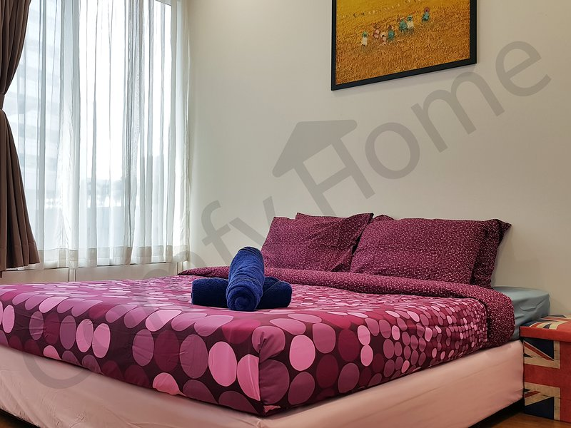 Private bedroom with private attached bathroom in the heart of the KL City