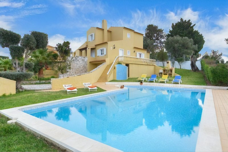 Villa Tania - Detached Villa with Pool close to Albufeira, holiday rental in Sesmarias