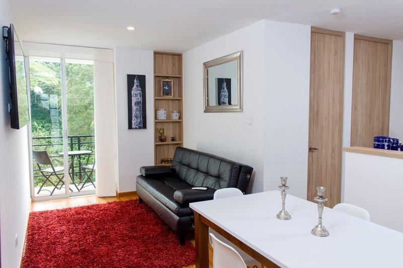 Apartamento con linda vista !! Cerca a termales Santa Rosa, location de vacances à Département de Risaralda