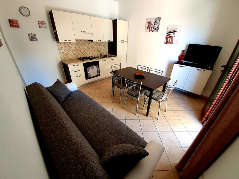 Nice apartment - 350m Sea, vacation rental in La Caletta