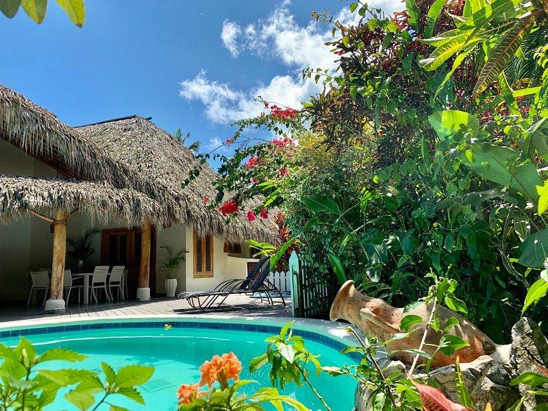 MIRASOL, villa sécurisée, mer à 150 m, 3 chambres, piscine privée, 8 pers, holiday rental in Nagua