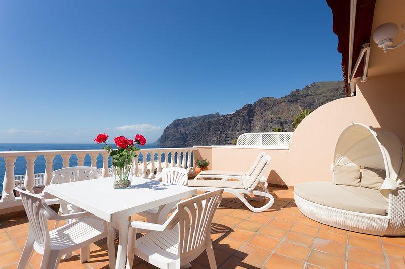 33 Exclusive Holiday Retreat Spectacular Sea and Cliff Views, alquiler de vacaciones en Santiago del Teide