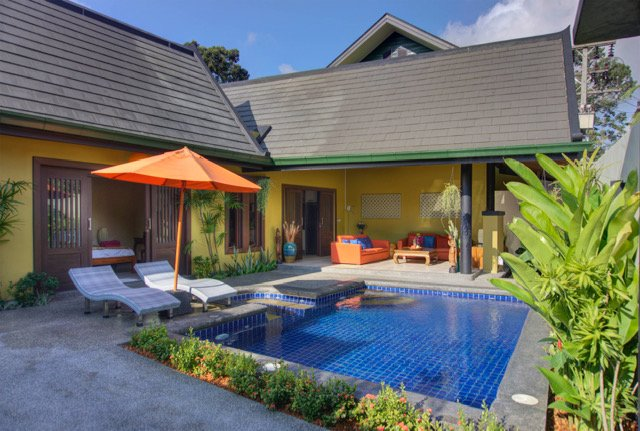 Private villa with pool and Jacuzzi