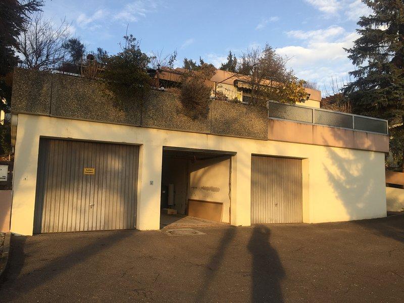 Ofrecemos el garaje con pitido para bicicletas o motos