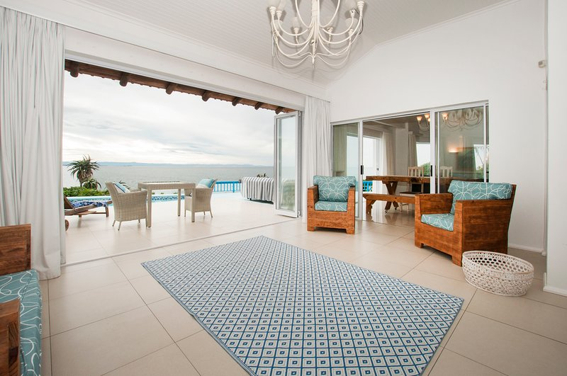 Cozy waterfront home w/  furnished patio, & incredible views, vacation rental in Port St Francis