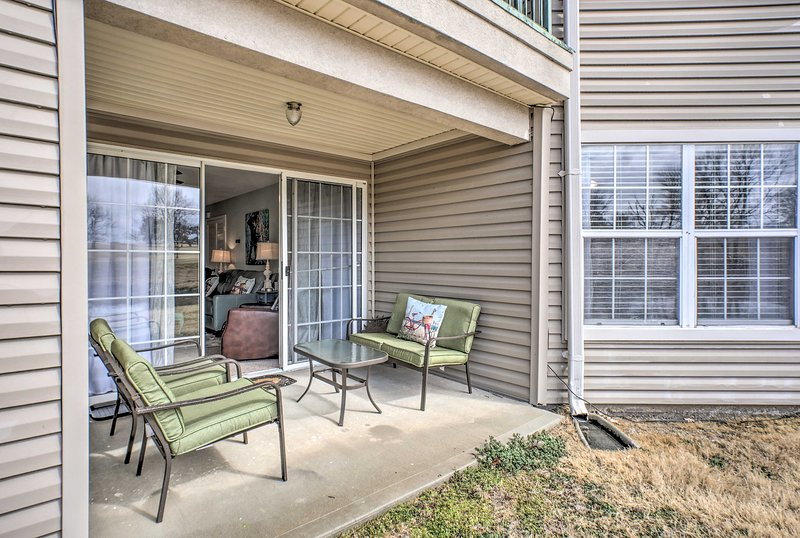 This 2-bedroom, 2-bath condo is ideal for groups of 6.