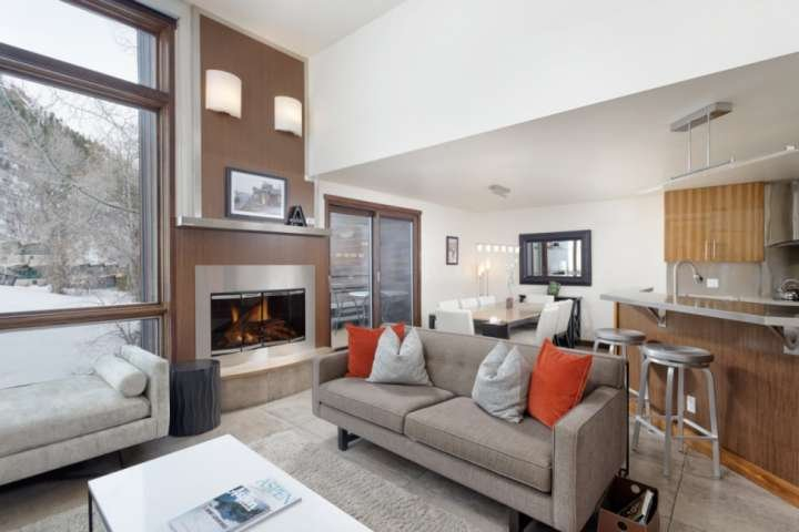 This home combines the convenience of ski-in/out with contemporary elegance and warmth.