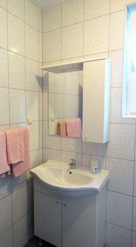 SA3 (2): baño con inodoro.