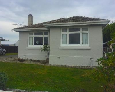 Bungalow on Centre, holiday rental in Riverton