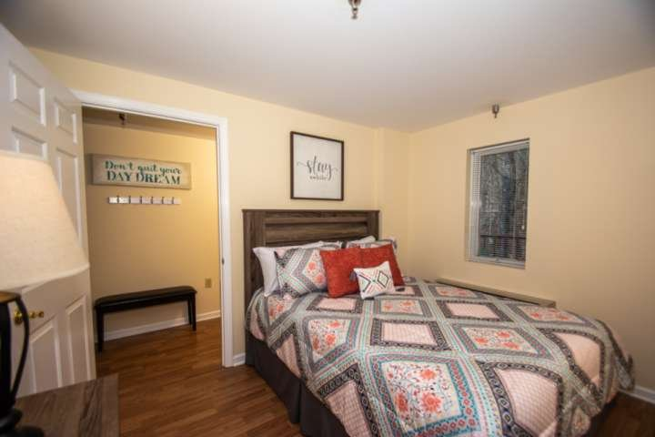 Guest Queen Bedroom with Private Bathroom with Tub/Shower Combo