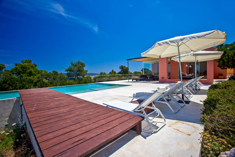 Port d'es Torrent Villa Sleeps 12 with Pool and Air Con - 5779625, location de vacances à Port d'es Torrent