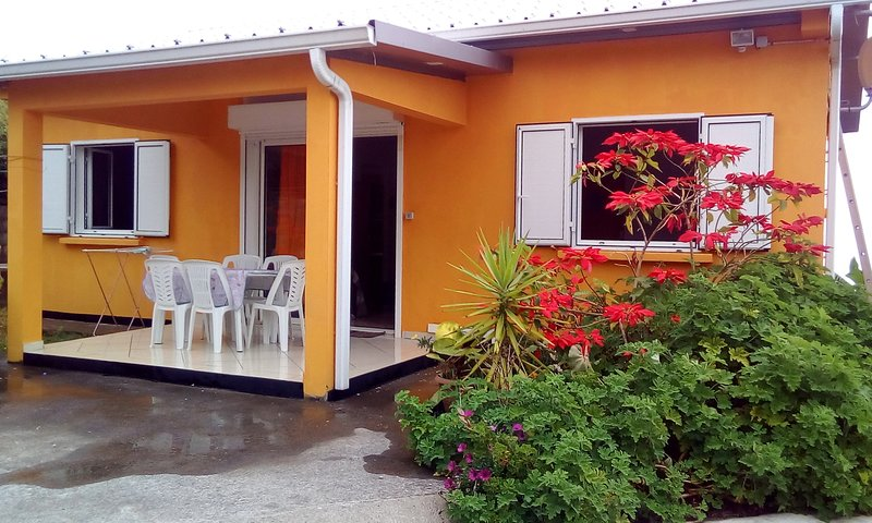 Beautiful house with garden & Wifi, holiday rental in Trois Bassins