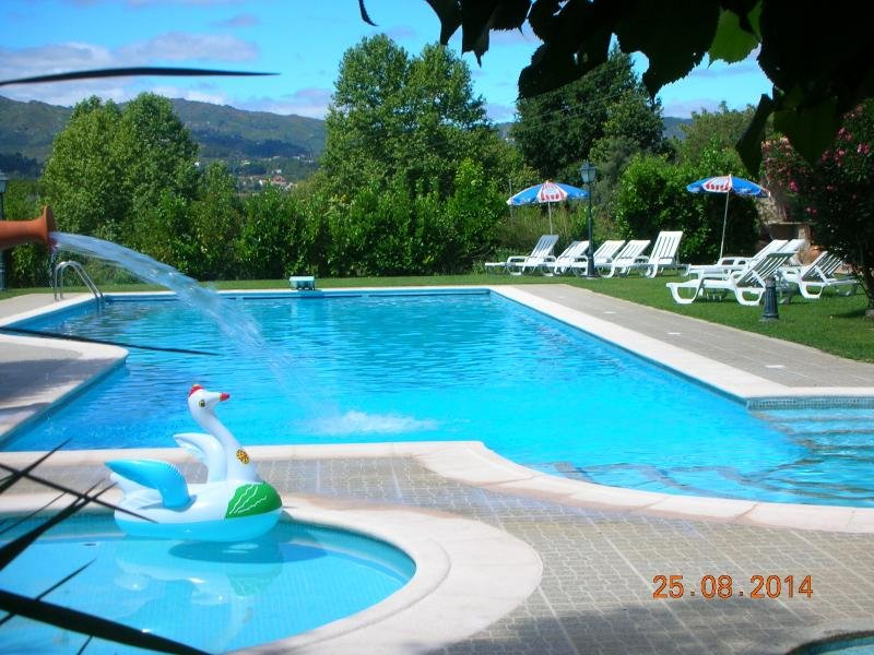 Amazing house with shared pool, location de vacances à Cerva