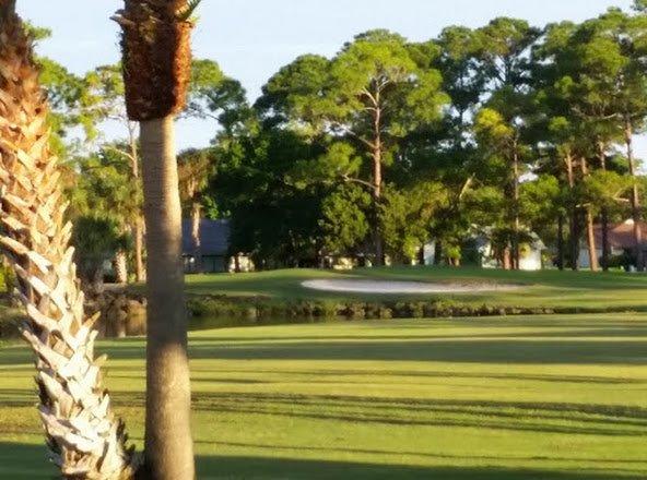 Nuovo campo da golf sulla spiaggia di Smyrna.