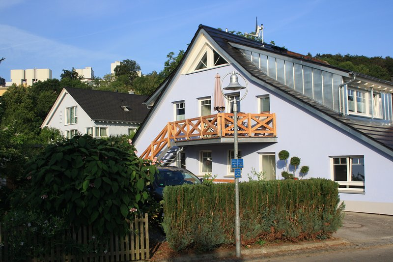 Appartement de vacances moderne à Constance - à 5 minutes du lac - à environ 15 minutes de la vieille ville.