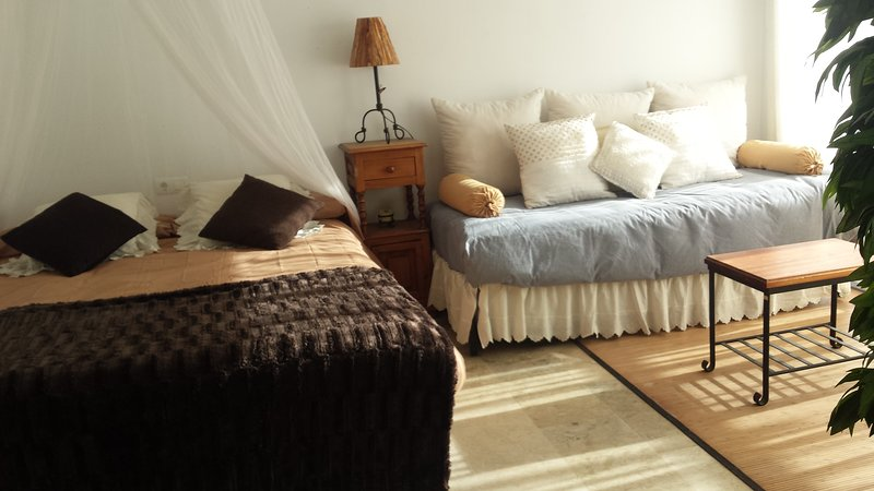 SEMANA SANTA GRANADA, vacation rental in Huetor Santillan