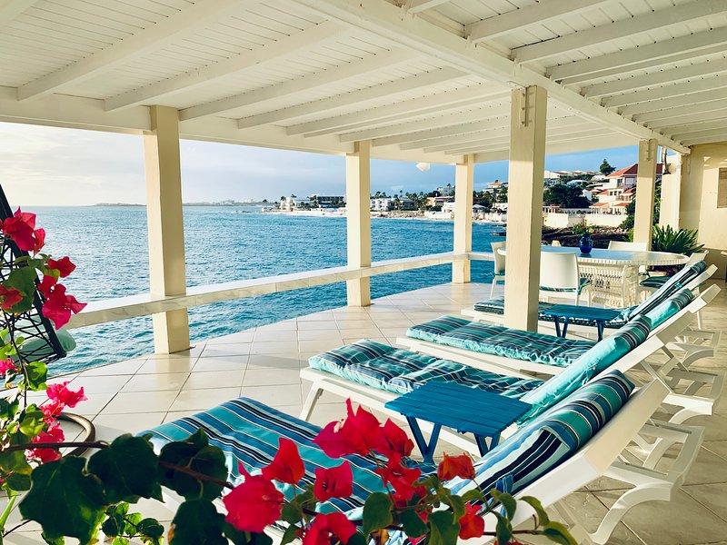 PERFECT, PRIVATE 2 BR/2 BA SPACIOUS OCEANFRONT VILLA.CONDO.HOME W/ HUGE DECK, holiday rental in Sint Maarten