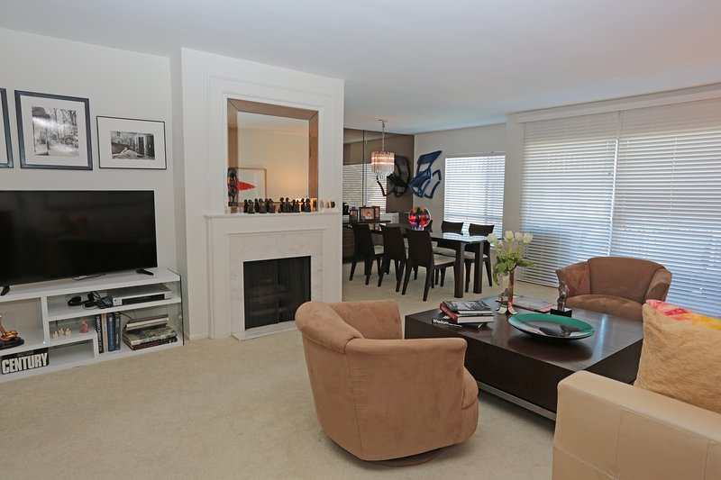 Beautiful comfortable condo in wonderful location, holiday rental in Santa Monica