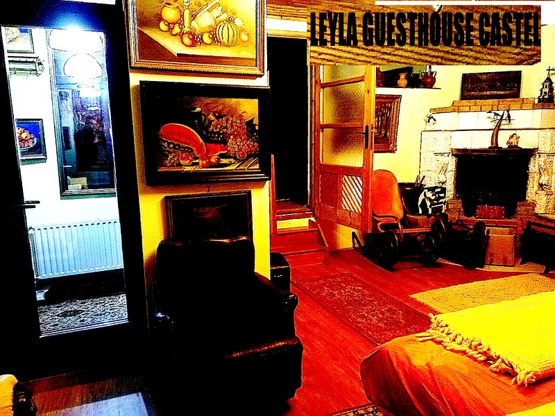 Leyla guesthouse chalet, holiday rental in Predeal
