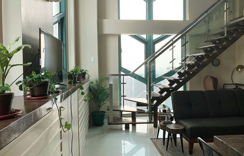 PENTHOUSE Le Grand Loft A/C Highspeed WiFi Eastwood City, vacation rental in Marikina